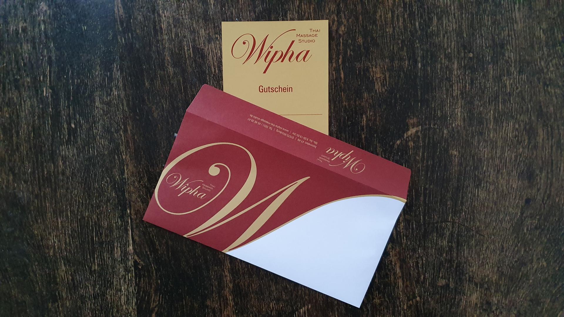 Abbildung Wipha Thai Massage Studio Gutschein und Kuvert