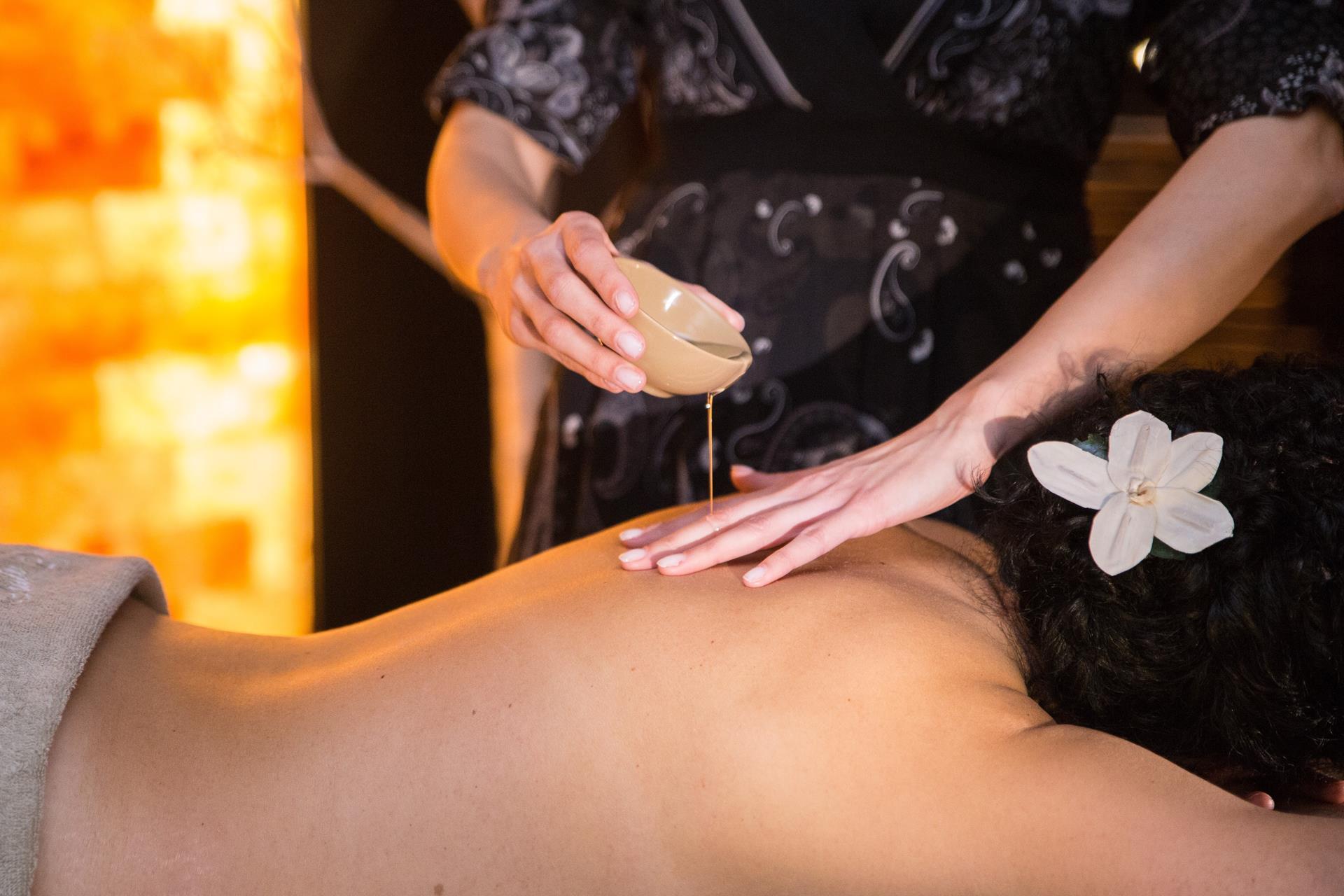 Abbildung Aroma Öl Massage - Wipha Thai Massage Studio Würzburg Innenstadt